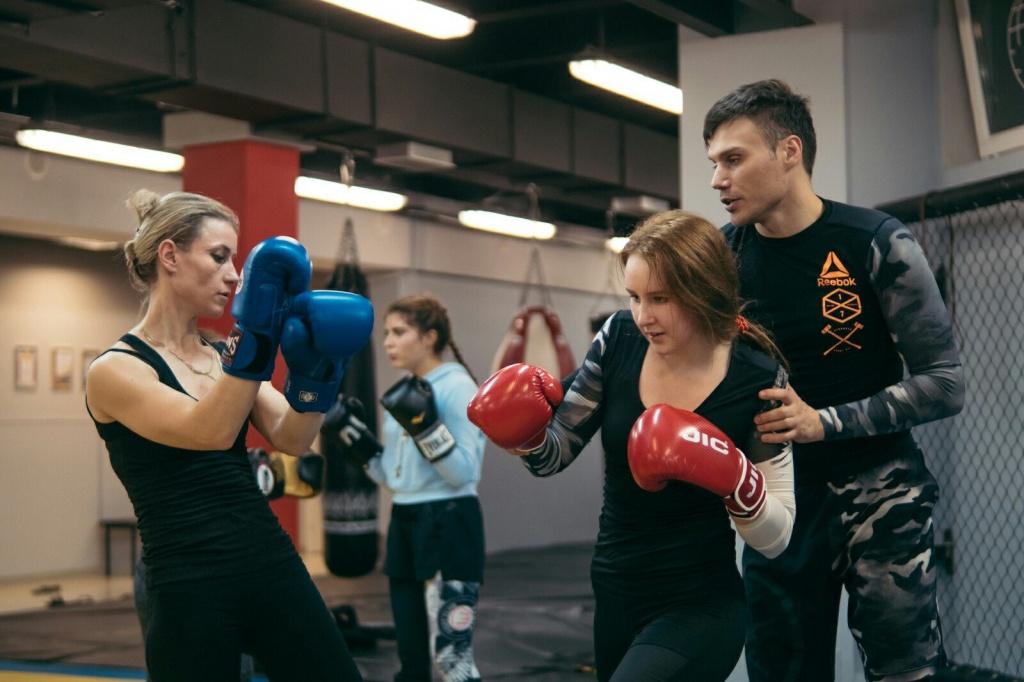 Тренировки по тайскому боксу для девушек - клуб Алмаз СПб